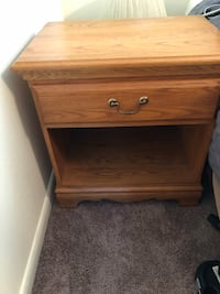 End table Virginia Beach, 23455