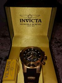round black Invicta analog watch with black strap Milton, L9T