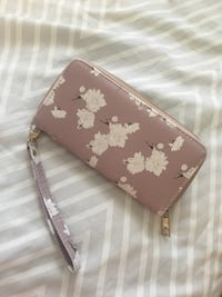 brown and white floral leather wristlet London, N6K 2W5