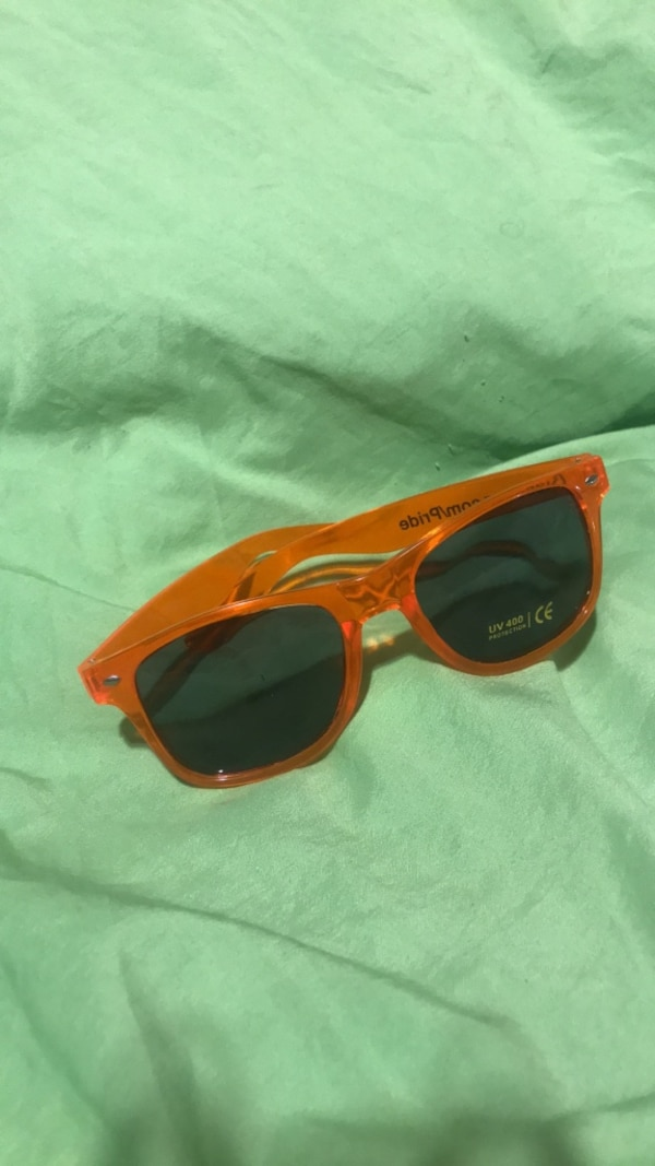 0ba2f880e625d Used red and black framed Ray Ban wayfarer sunglasses for sale in Hammond -  letgo