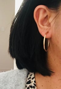 Hoop earrings Brampton, L6Y 5N3