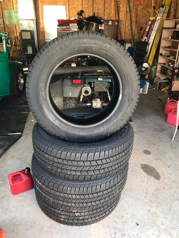 Goodyear wrangler LT265/60R20 tires with less than 1000 miles on them. They came off a Chevy 2500 price is cash or PayPal  and firm just reduced