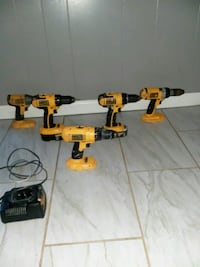 5 Drills  (dewalt) and 2 batterys and a charger. Independence