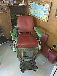 Antique Barber Chair Fall River, 02720