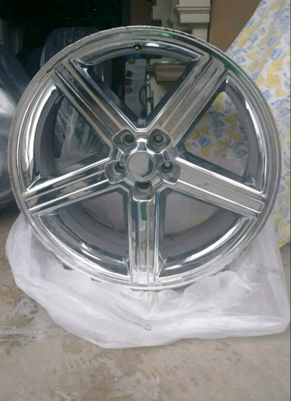 Brukt One 22 Inch Chrome Cracked Iroc Rim Til Salgs I Philadelphia