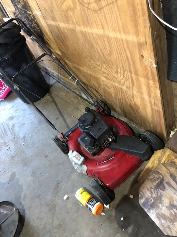 Good toro bilt lawn mower  2