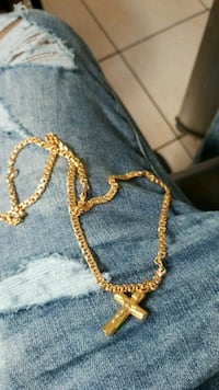 gold-colored chain necklace Toronto, M6H 3L5