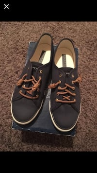 pair of black-and-brown low top sneakers Airdrie, T4B 0E3