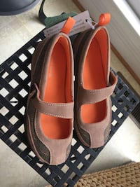 Girls size 12 beige and brown Lands End shoes Centreville, 20120