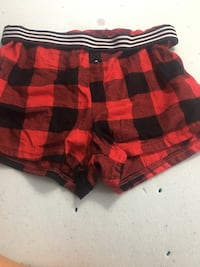 Red and black plaid shorts never worn size L O'Fallon, 62269