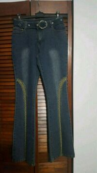 Like new belted jeans Size 7/8 Hallandale Beach, 33009
