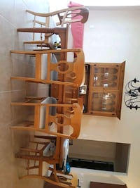 6 chair expandable dining table and chest.  Kissimmee, 34746