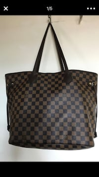 LV bag used with coin holder 2275 mi