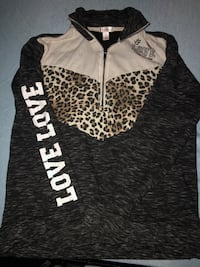 Pull over hoodie xs