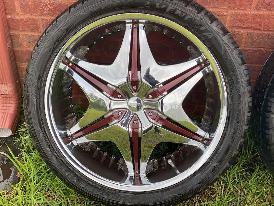 Photo 24 inch Akuza Road Concept rims with tires 305/35R24 (6 Lug rims)