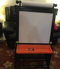 Kidkraft easel with storage  Manassas, 20110
