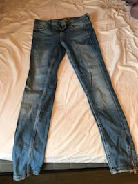 Kristen jeans gina tricot Stockholm, 111 22