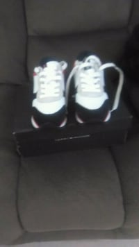 pair of white Air Jordan basketball shoes Linden, 07036