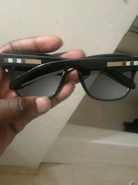 Burberry Glasses  48 km