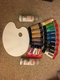 Acrylic paints, accessories, pallet and finisher