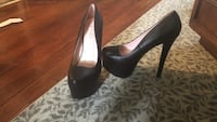 Dolli high heeled shoes. New never worn. Size 8 Lancaster, 17602