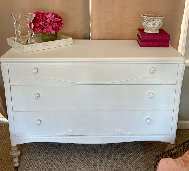 Newly Refinished Solid Wood 3 Drawer Dresser - White bff074a3-0c0e-4306-aa5f-6f02053fe3a6
