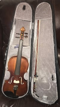 brown violin with stick and case Acworth, 30101