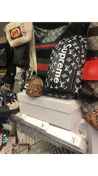 Supreme Louis Vuitton crossbody bag  Montréal, H4M 2K6