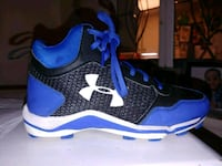 pair of blue-and-black under armour football cleat Manassas, 20110