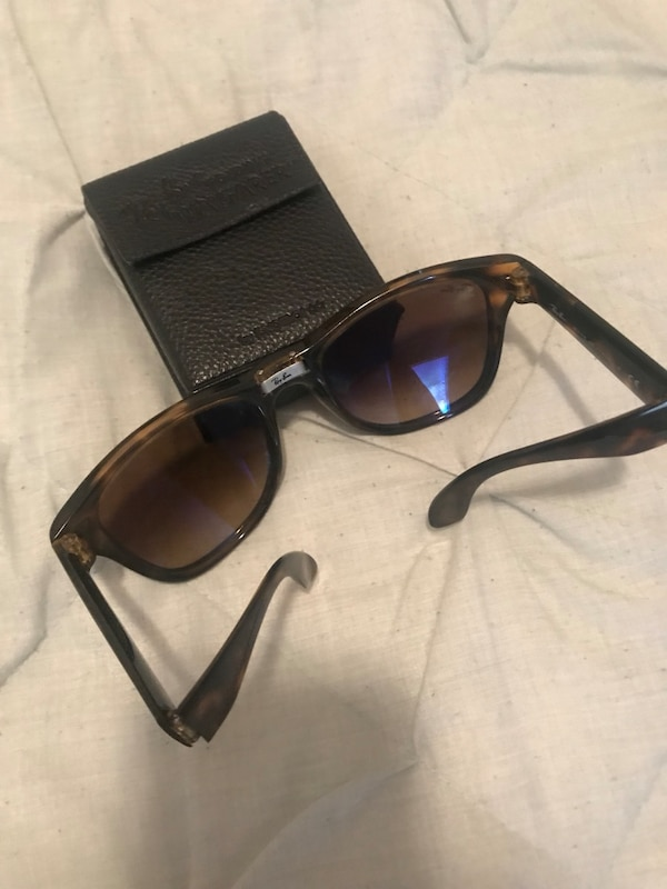 383d3e5b04 Brukt AUTHENTIC RAY BAN Oversized Foldable Wayfarer Tortoise til salgs i  New York - letgo