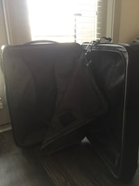 Short trip expandable 4 wheel packing case Fort Worth, 76155