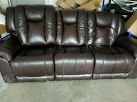 black leather 3-seat sofa Portland, 04103