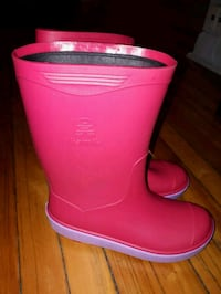 pink leather side-zip boots
