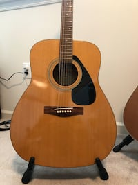 Yamaha F310 Acoustic Guitar Derwood, 20855