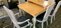6 pc used white Dinette set with leaf and solid wood Ashburn