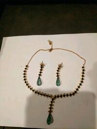 Green stones necklace and earrings Aldie, 20105