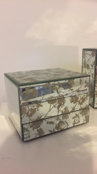 white and gray floral print 3-drawer chest organizer box 3728 km