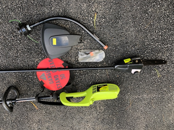 Pole saw with trimmer