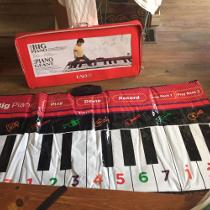 FAO BIG PIANO MAT WITH CARRY CASE Newmarket, ON, Canada