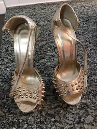Ladies shoes size 37 , like new great condition  Burnaby, V5C 3Y6