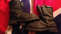 Size 10 mens steel toe boots