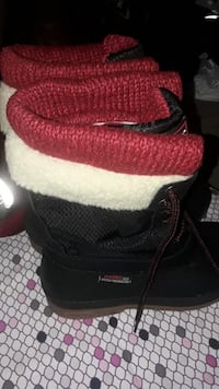 Brand New Canadiana Womens Boots size 7 Shakespeare