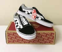 BRAND NEW Men's Size 10 Vans Old Skool Sneakers Toronto