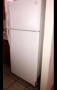 white top-mount refrigerator Glendale, 91208