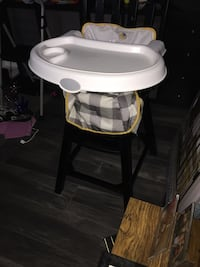 High chair Brampton, L6Z 3E5