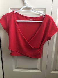 Cropped red shirt