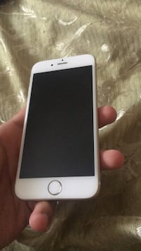 Selling IPhone 6 16gb in Good Condition Mississauga, L5R 3N6