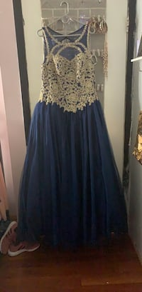 Royal Blue Prom Dress, great condition, ribbon with removable back Woodbridge, 22193
