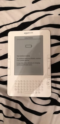 White kindle generation 2 Mississauga, L5N 8P1