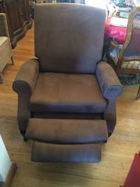 New Brown Faux Suede Recliner Chair Baltimore, 21237